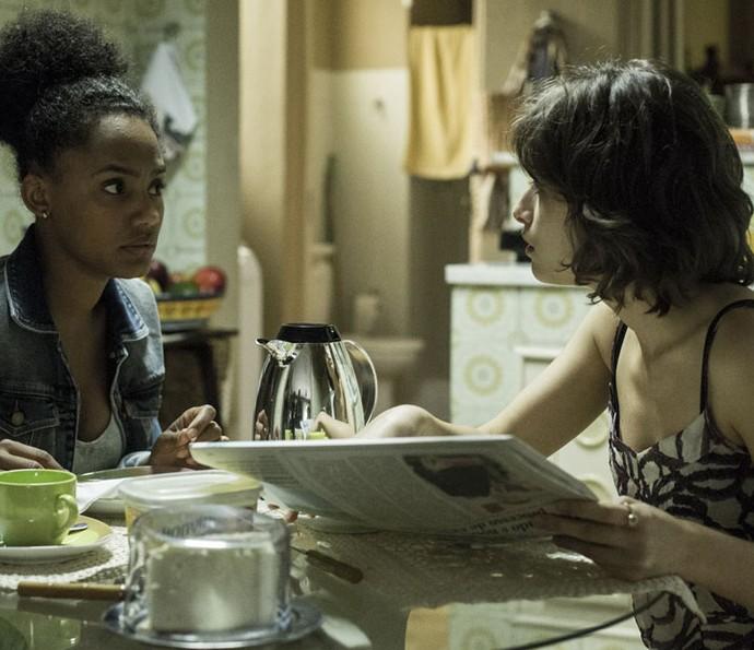 Débora descobre outra vítima do criminoso que lhe abusou sexualmente (Foto: Ellen Soares/Gshow)