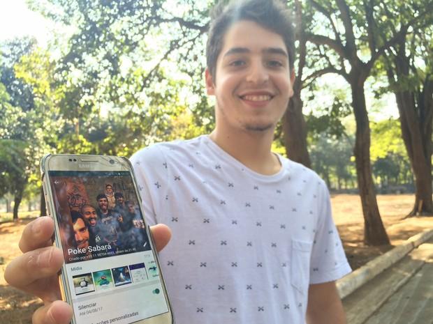 Guilherme participa de grupo de jogadores de Pokémon Go que conheceu no cemitério (Foto: Will Soares/G1)