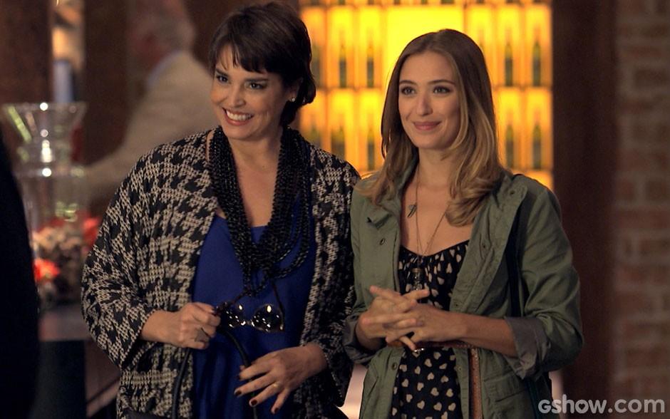 Beatriz Bolgari (Suzy Rêgo) e a filha Bianca (Juliana Boller) (Foto: TV Globo)