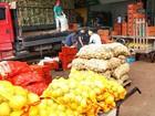 Greve de caminhoneiros atrasa vinda de frutas; DF nega desabastecimento