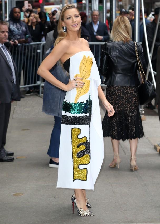 Blake Lively com vestido de Oscar de la Renta (Foto: AKM)