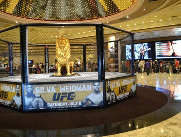cartazes de promoção do UFC 162 em Las Vegas (Foto: Evelyn Rodrigues)