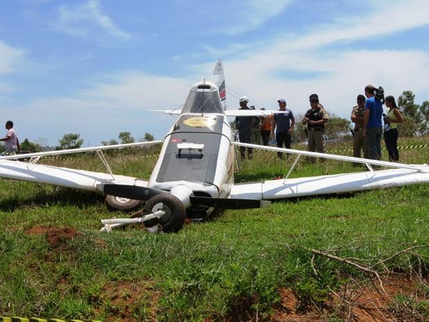 Suspeita é de que falha mecânica tenha causado problemas na aeronave em Lavras (Foto: Graziela Carmo / VC no G1)