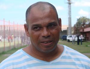 Mauro Soares, técnico da Desportiva Ferroviária (Foto: Bruno Marques/Globoesporte.com)