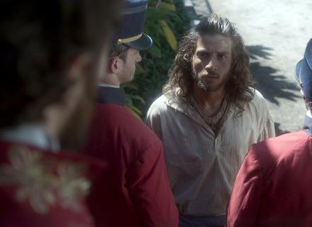 Joaquim se desespera com casamento de Anna e recebe ordem de prisão