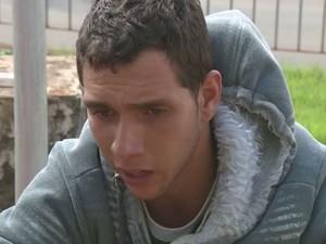 Matheus Diniz diz que foi amarrado e depois agredido com um pedação de madeira (Foto: Reprodução/EPTV)