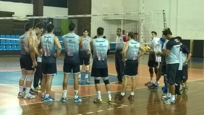 treino vôlei Juiz de Fora grupo (Foto: Roberta Oliveira)