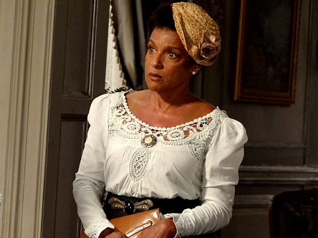 Elisa Lucinda será a mãe biológica de Fernando em Lado a Lado (Foto: Lado a Lado / TV Globo)