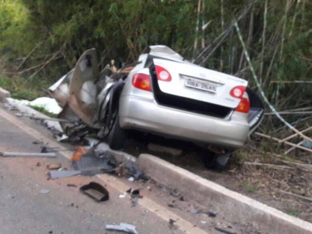 Acidente na BR-352 entre Pitangui e Abaeté (Foto: PM/Divulgação)