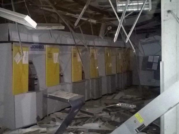 Segundo polícia, bandidos não chegaram a roubar cofre de agência (Foto: Divulgação / Polícia Civil)