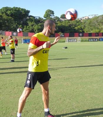 Fred em treino do Vitória (Foto: R. Santin / EC Vitória)