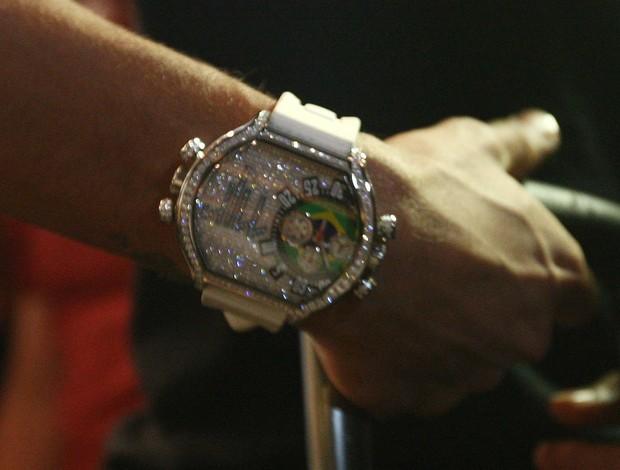 Relógio Neymar Brasil (Foto: Márcio Iannacca)