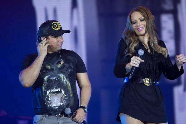 Xand e Solange durante show em Goiânia (Foto: Divulgação)
