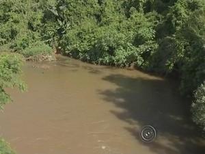 Com período chuvoso há risco de ribeirões transbordarem (Foto: Reprodução/ TV TEM)
