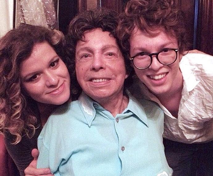 Momento de fã! Ayrton com a cantora Ylana Queiroga e Cauby Peixoto (Foto: Arquivo pessoal)