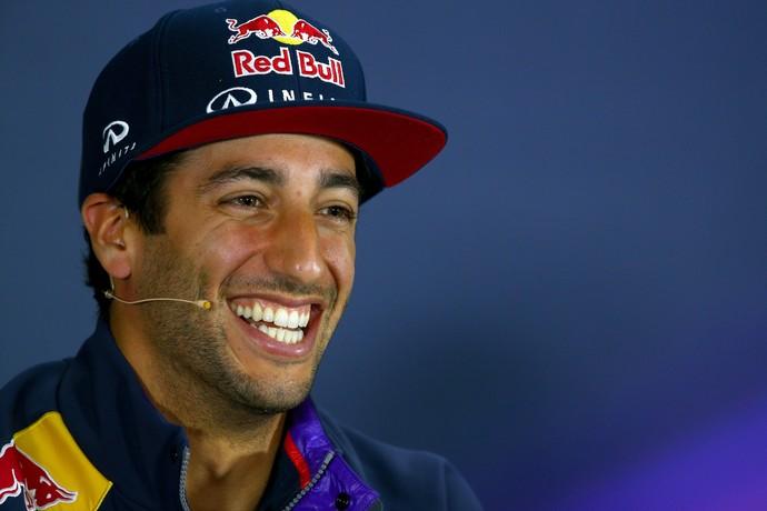 Apesar da fase ruim, Daniel Ricciardo mantém a simpatia no Circuito RBR Ring, nesta quinta-feira (Foto: Getty Images)