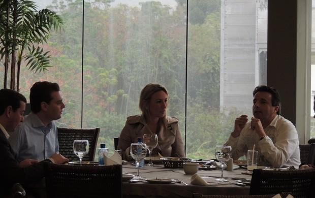 almoço, florianópolis, eric lovey, prefeito césar souza junior, maria cláudia evangelista, reunião, (Foto: Renan Koerich)