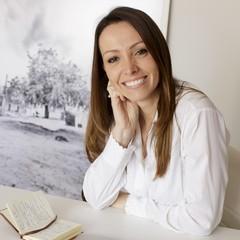 Jornalista Camila Balthazar, autoria do livro BIO 50 CEO's  (Foto: Divulgação)
