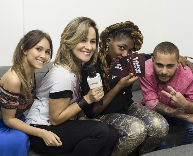 Isadora, Paula, Princess e Joey fazem pose entre uma pergunta e outra (Foto: Camila Serejo/Gshow)