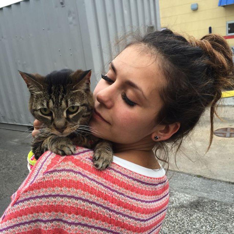 Nina Dobrev e Lynx (Foto: Reproduo / Instagram)