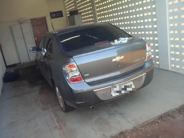 Os dois carros roubados apresentaram indícios de adulteração no chassi, em Palmas (Foto: Divulgação/SSP TO)