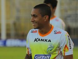 Bruninho, atacante, Luverdense (Foto: Felipe Nischor/Luverdense Esporte Clube)