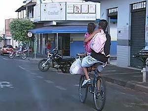 Bicicletas são apreendidas muitas vezes após irregularidades (Foto: Reprodução/TV Integração)