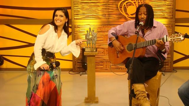 Zulmar Benites, um dois vencedores do Troféu Origens e Shana Müller. (Foto: Daniel Bittencourt/RBS TV)