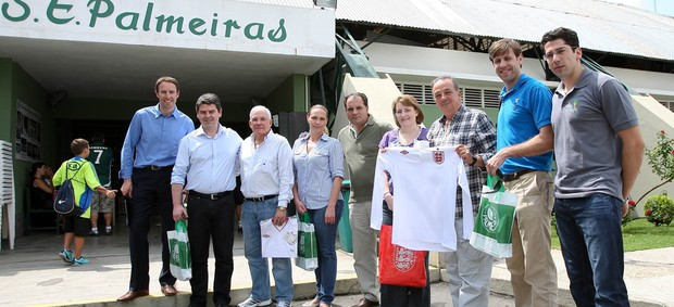 membros da Federa&#231;&#227;o inglesa de futebol visitam CT do Palmeiras (Foto: Cesar Greco / Ag&#234;ncia Fotoarena)