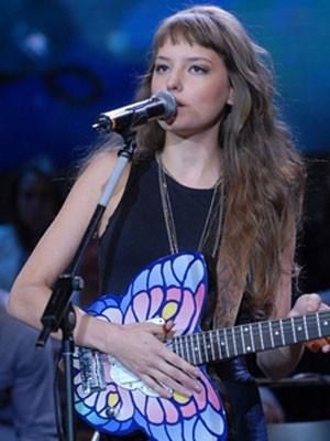 A cantora Mallu Magalhães vai fazer parte da trilha de Malhação (Foto: Malhação / Tv Globo)