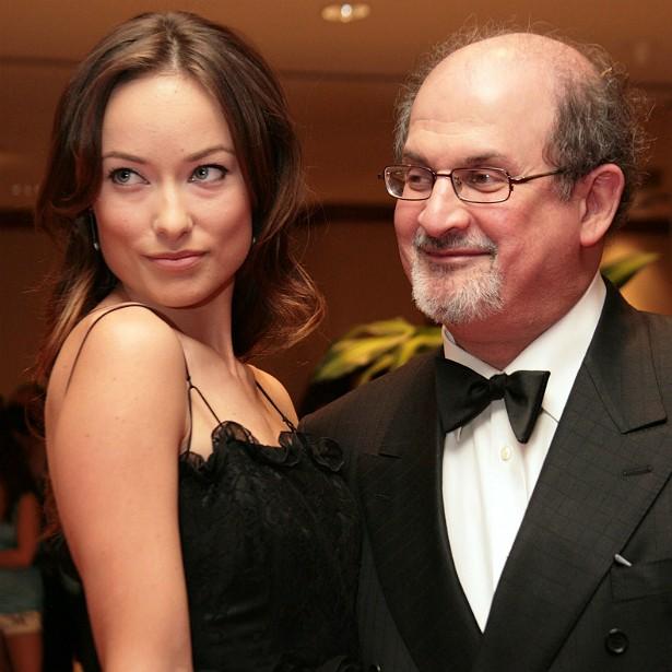 Dizem também que Salman Rushdie já ficou com a atriz norte-americana Olivia Wilde, hoje com 30 anos. (Foto: Getty Images)