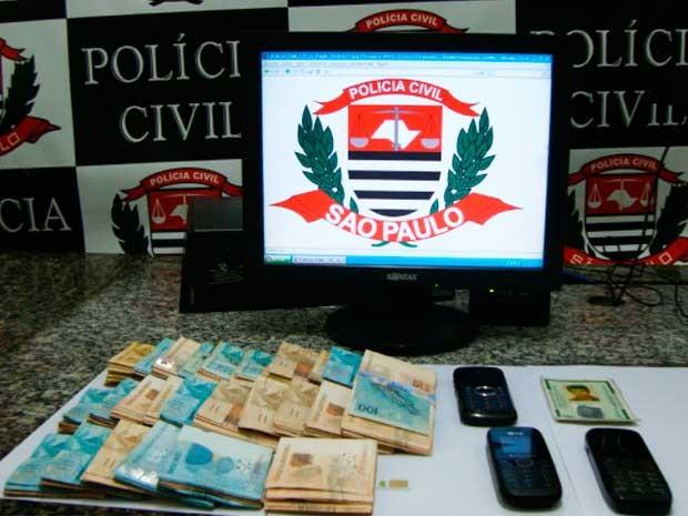 Polícia prendeu o criminoso com R$ 25 mil em dinheiro em um posto de combustíveis, no centro de Jacareí