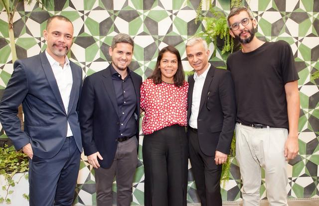 Ricardo Cruz, Roni, Daniela Falcão, Sylvain Justum e Igor Barros (Foto: César França)
