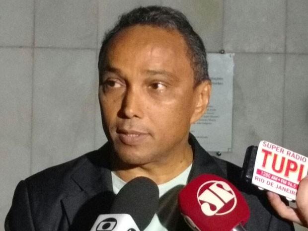 Líder do PT na Câmara, Sibá Machado deu entrevista no início da tarde (Foto: Carolina Cruz/G1)