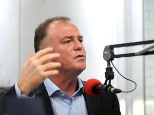 Sabatina na CBN, com o candidato ao governo do estado, Renato Casagrande (Foto: Fernando Madeira/ A Gazeta)
