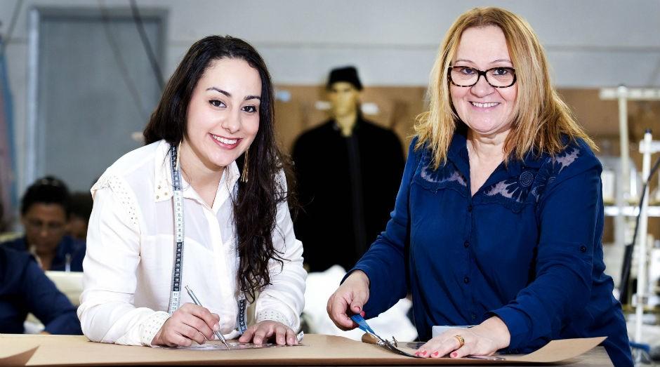 Ana Maria e Luisa Bezerra, mãe e filha sócias em uma empresa de uniformes. (Foto: Patrícia Cruz /Sebrae-SP)