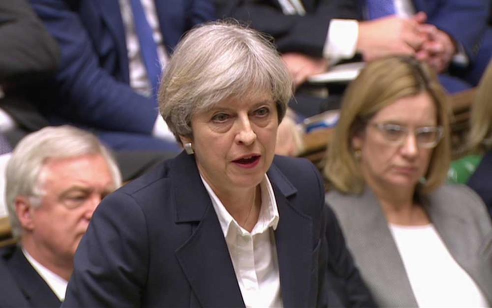 Premiê britânica, Theresa May, faz pronunciamento no Parlamento logo após comunicar à União Europeia a intenção de deixar o bloco  (Foto: Parliamentary Recording Unit via AP )