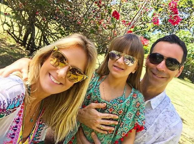 César Tralli com Rafaella Justus e Ticiane Pinheiro (Foto: Reprodução/nstagram)