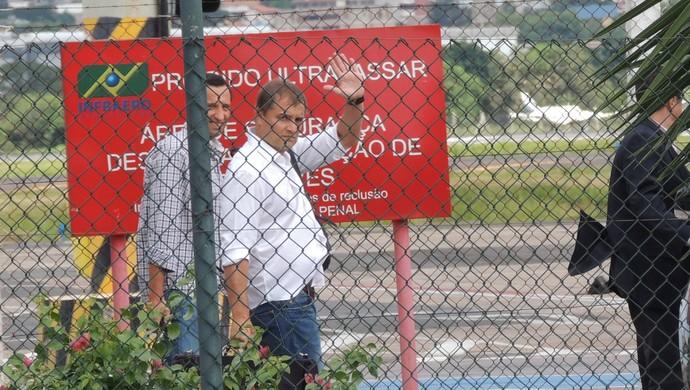 Diego Aguirre chega a Porto Alegre (Foto: Tomás Hammes/GloboEsporte.com)