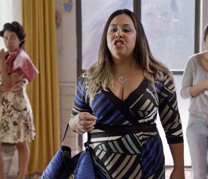 Esposa traída invade salão de Marlene (Foto: TV Globo)