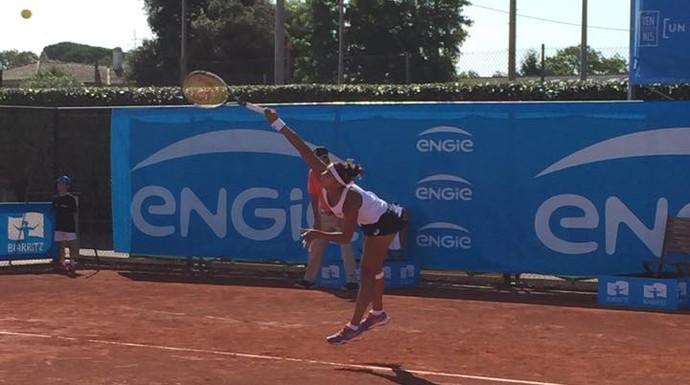 Teliana Pereira no ITF de Biarritz (Foto: Divulgação / Facebook)