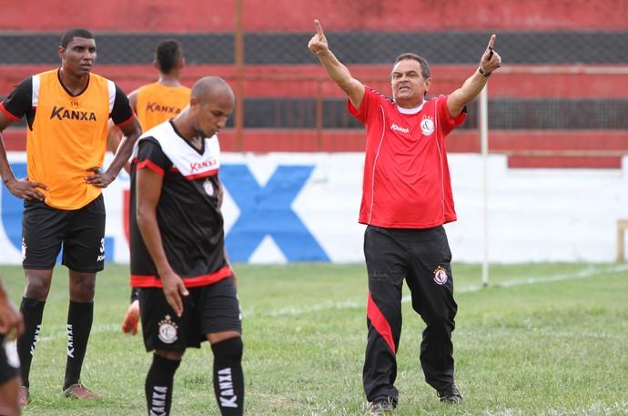 Francisco Diá; Treinador; Treino; Campinense; (Foto: Julio Cezar Peres / Jornal da Paraíba)