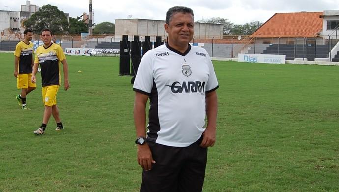 Luiz Carlos Mendes, técnico do Treze (Foto: João Brandão Neto / GloboEsporte.com/pb)