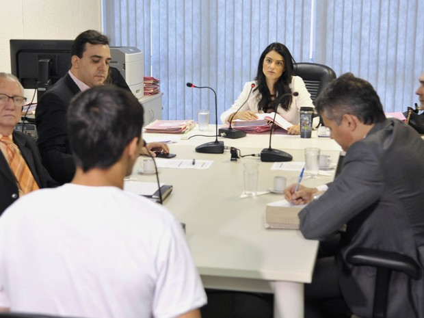 Irmãos suspeitos de matar jovem e rir após crime participam de audiência de Gabriel Caldeira, em Goiás (Foto: Aline Caetano/TJ-GO)