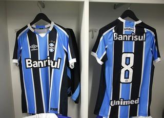 Nova camisa Grêmio (Foto: Lucas Uebel/Divulgação Grêmio)