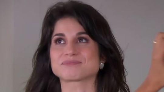 Chandelly Braz chora ao reencontrar amiga de infância no 'Estrelas'