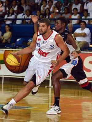 Olivinha, Pinheiros x Bauru, NBB basquete (Foto: João Pires/Pinheiros/SKY )