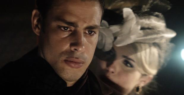 Cauã Reymond e Bárbara Evans em cena da minissérie Dois Irmãos (Foto: Divulgação Globo)