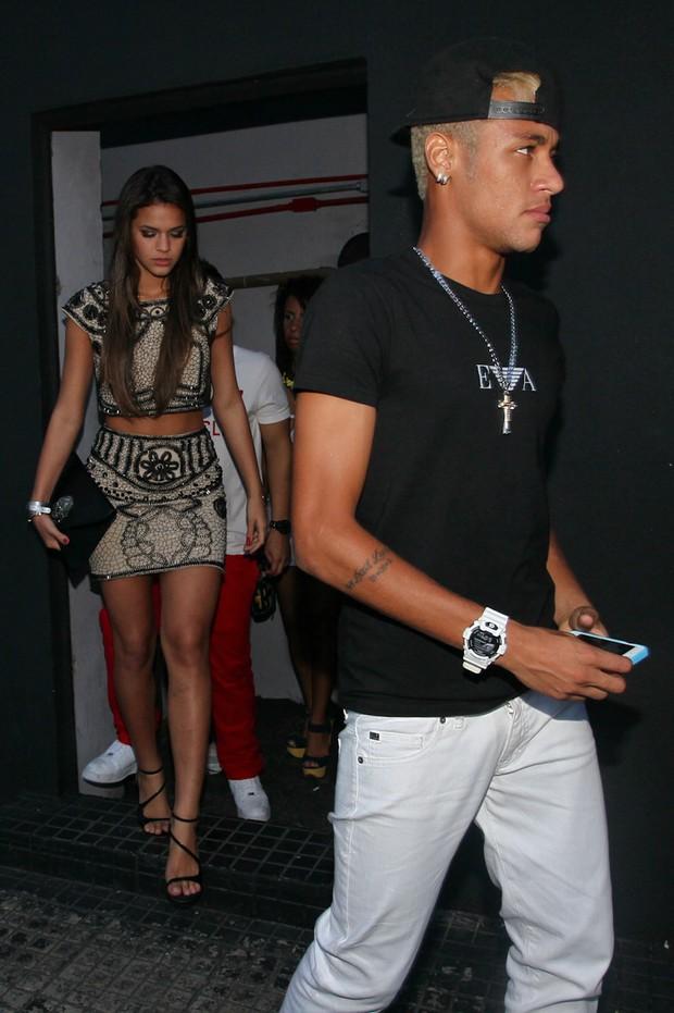 Neymar e Bruna Marquezine deixam festa juntos (Foto: Manuela Scarpa/Foto Rio News  )