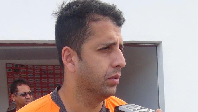Daniel Marques, zagueiro do CRB  (Foto: Henrique Pereira/ Globoesporte.com)
